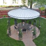 Gartenpavillon Florenz mit Messingkugel und Sonnensegel, pulverbeschichtet anthrazit, rosenberankt