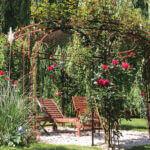 Gartenpavillon Florenz, mit Rosen berankt, unbeschichtet (Edelrost)