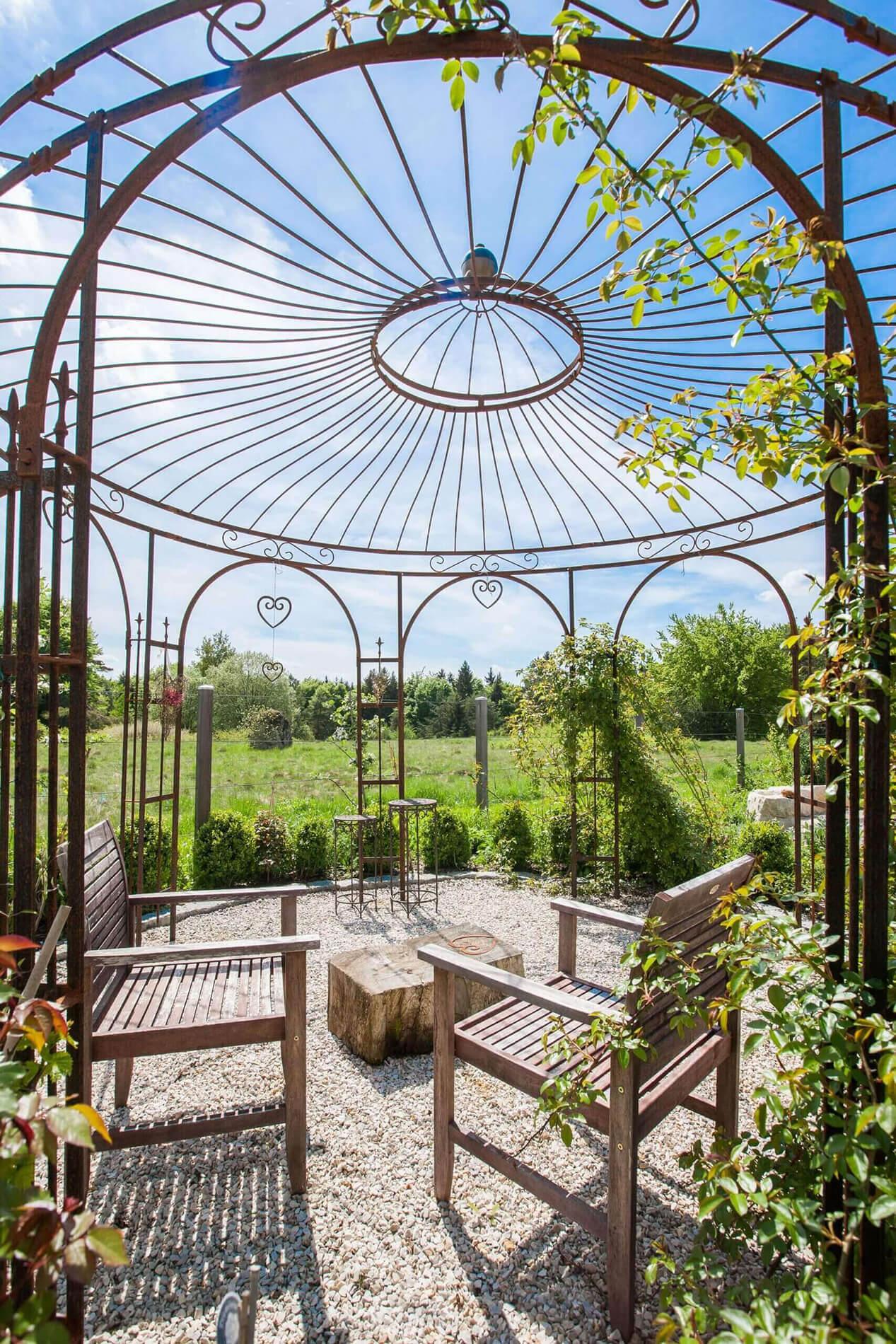 Pavillon Florenz - mit Edelrostpatina und Messingkugel