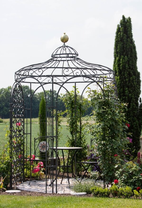 Pavillon Siena - als Rosenpavillon in pulverbeschichtet anthrazit mit Rankgitter Rosa und Messingkugel