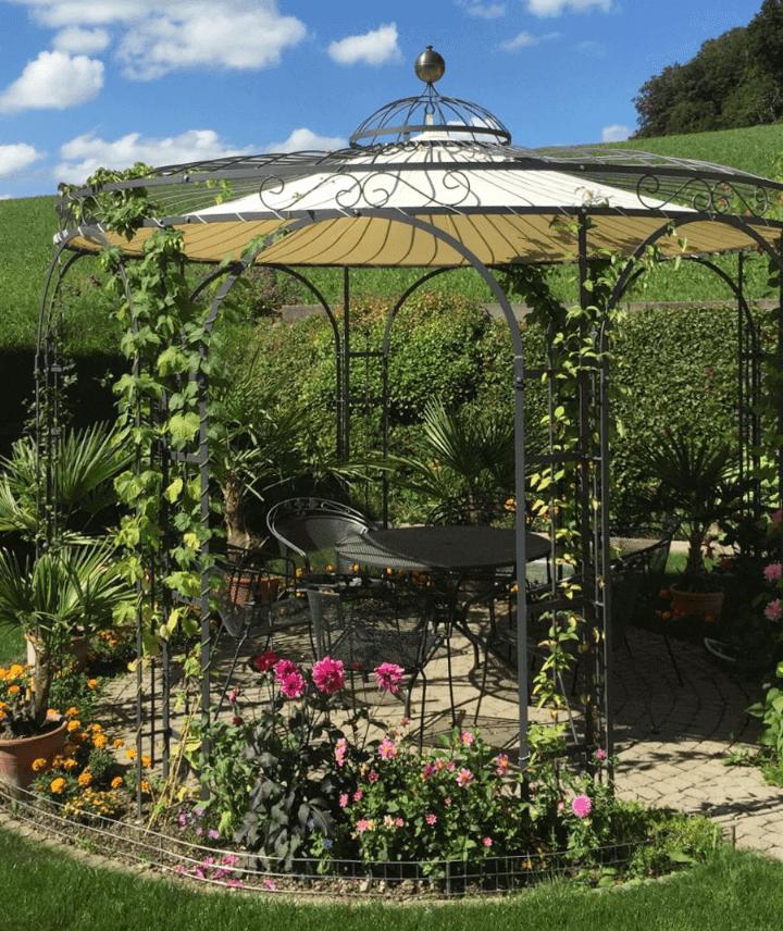 pavillon-florenz-pulverbeschichtet-sonnensegel-messingkugel-berankt_720x856_stage