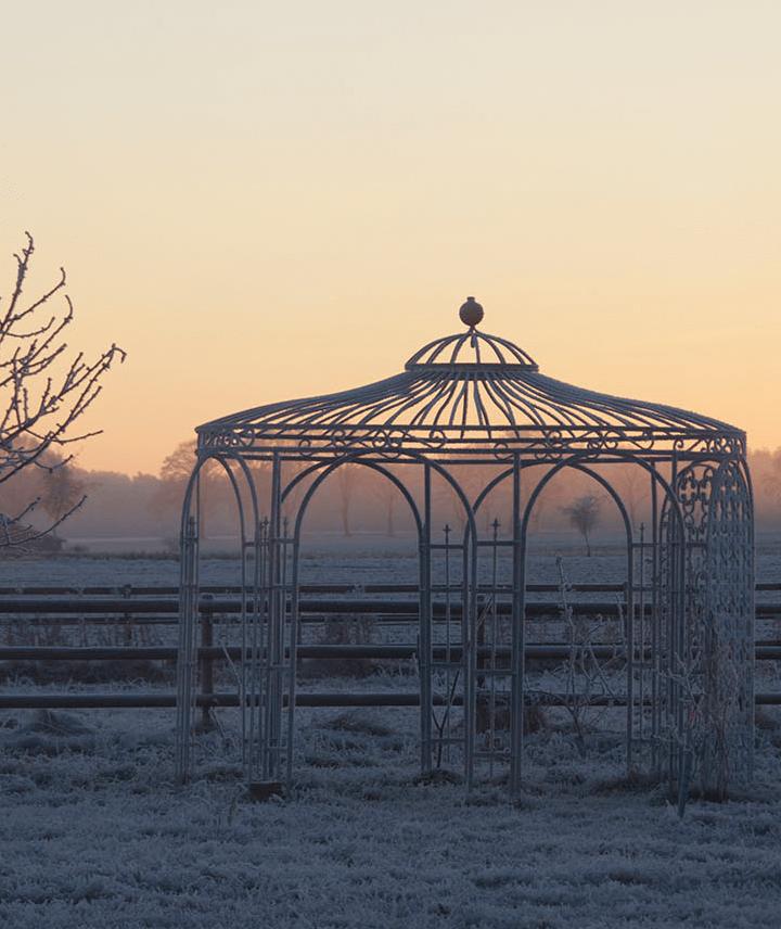 pavillon-florenz-pulverbeschichtet-sonnensegel-messingkugel-winter_720x856_stage