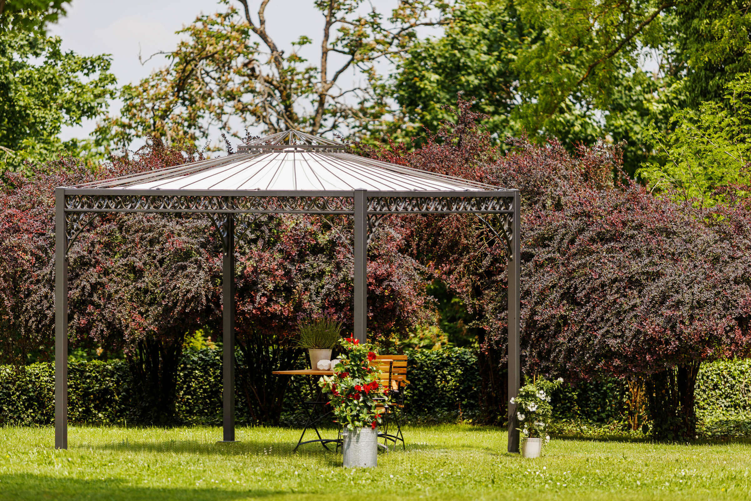 3x3 m Pavillon Genua in pulverbeschichtet Anthrazit mit Sonnensegel in Ecru